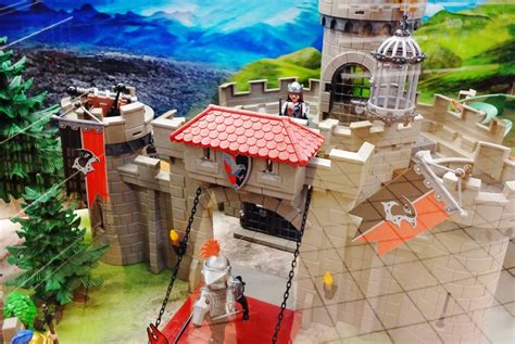 Playmobil 2018 KNIGHTS chevalier chateau fort 6001 - YouTube